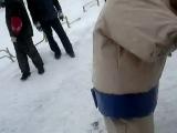 Перетягивание каната, борьба Сумо и соревнования по картингу (''Снежная вьюга'' 2010)
